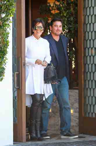Kim Kardashian et Kris Jenner : le blanc est une affaire de famille !