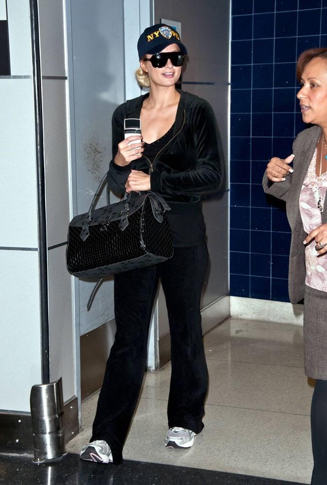 Photos : Paris Hilton vient à l'aéroport pour faire son jogging