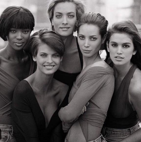 Cindy Crawford, Eva Herzigova, Karen Alexander, Helena Christensen, Nadja Auermann et Tatjana Patitz dans les années 90