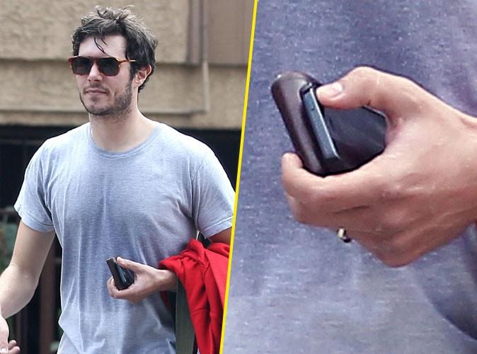 """Adam Brody : repéré la bague au doigt, la preuve qu'il a bien dit """"oui"""" à Leighton Meester !"""