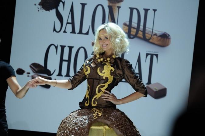 Adriana Karembeu au défilé du salon du chocolat à Paris le 30 octobre 2012