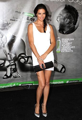 Adriana Lima à New York le 31 mai 2014