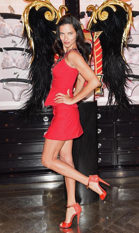 Adriana Lima et Candice Swanepoel à Londres le 15 avril 2014