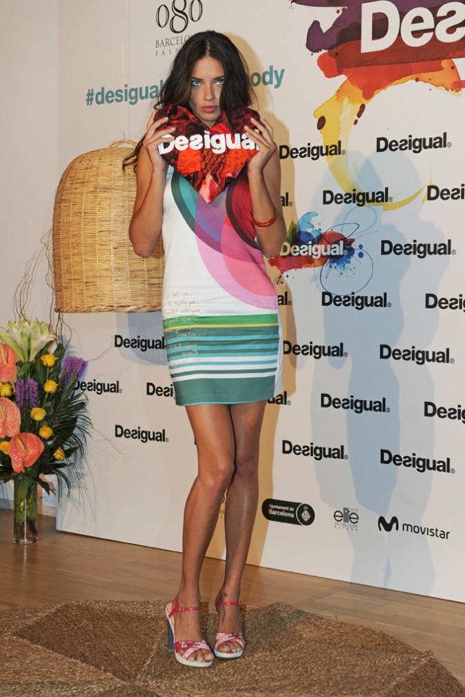 Adriana Lima lors de la présentation de la collection printemps/été 2014 à Barcelone le 9 juillet 2013