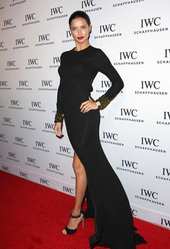 Photos : Adriana Lima, Solange Knowles, Toni Garrn : trio improbable et glamour à Miami !