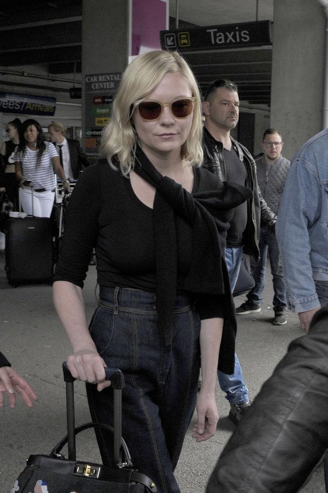 Kirsten Dunst à l'aéroport de Nice le 9 mai 2016