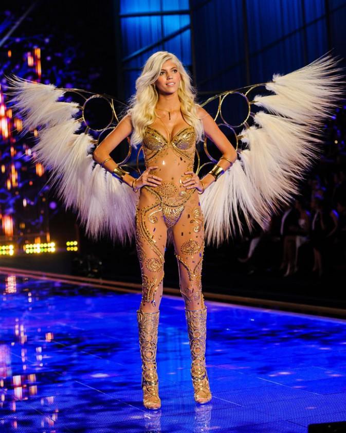 Le défilé Victoria's Secret à Londres le 2 décembre 2014