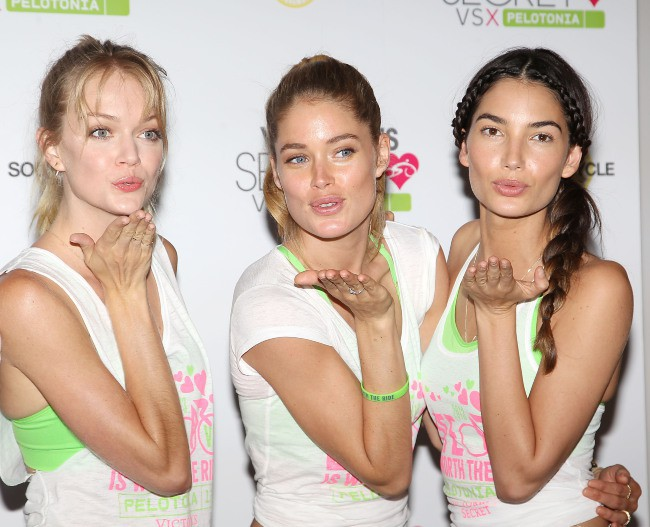 Lindsay Ellingson, Doutzen Kroes et Lily Aldridge lors du Supermodel Cycle à New York, le 10 juillet 2013.