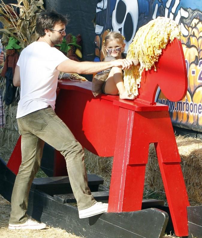 Jamie Mazur et Anja au Shawn's Pumpkin Patch à Santa Monica, le 16 octobre 2011.