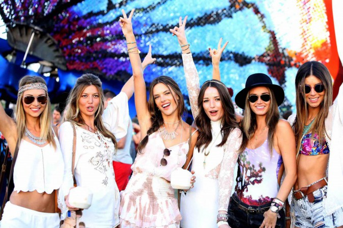 Alessandra Ambrosio : en mode Peace & Love à Coachella !