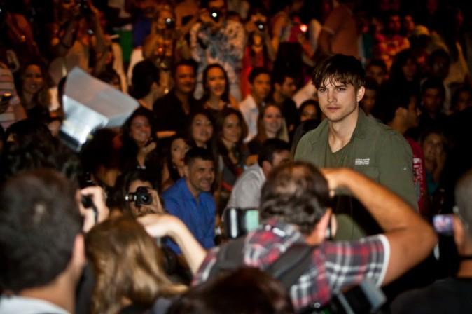 Ashton Kutcher lors du défilé Colcci à Sao Paulo, le 22 janvier 2012.
