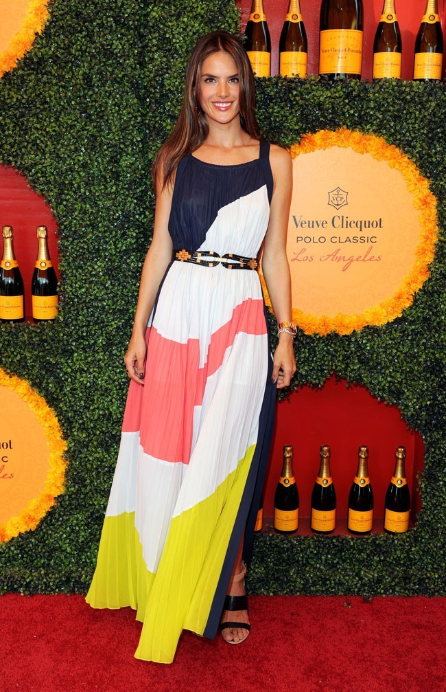 Alessandra Ambrosio le 6 octobre 2012 à Los Angeles