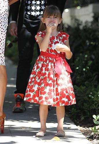 La petite Anja à Los Angeles le 5 octobre 2013