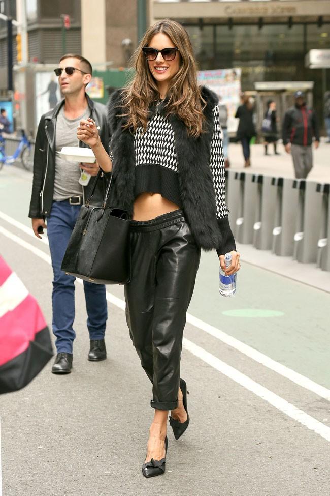 Alessandra Ambrosio à New-York le 6 novembre 2013