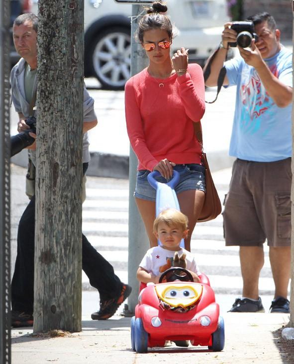 Alessandra Ambrosio : petit coup de mou pour la bombe brésilienne !