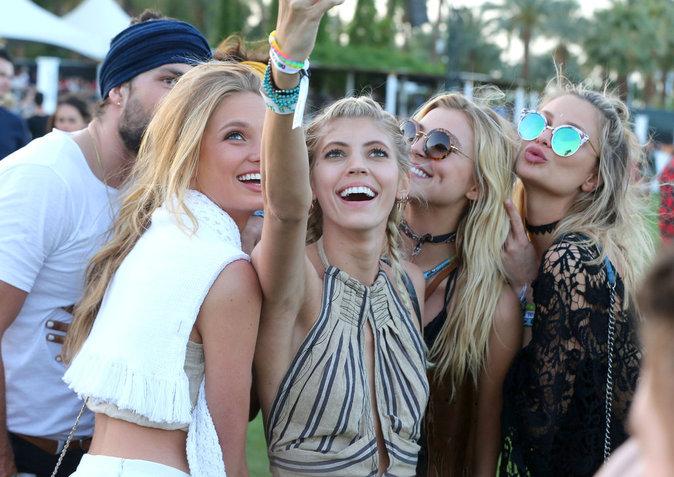 Photos : Devon Windsor, Rachel Hilbert, Romee Strijd, Anouk van Kleef, Jasmine Tookes : déferlante de tops à Coachella !