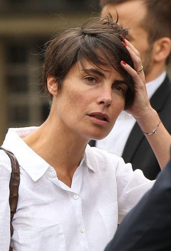 Photos : Alessandra Sublet : le monde de la télé dit au revoir à Emmanuel Maubert