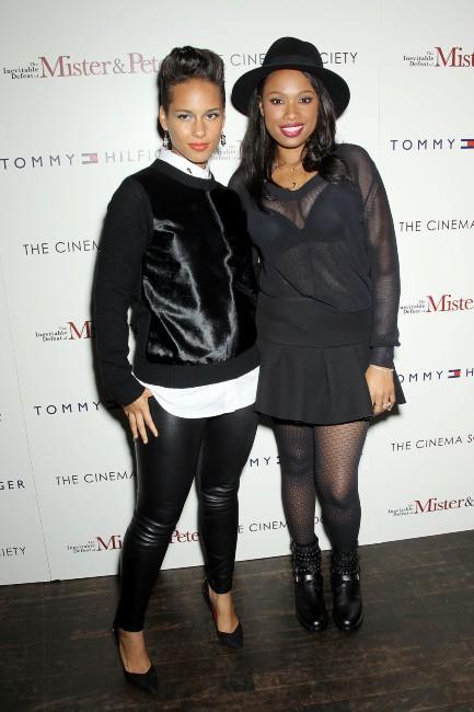 """Alicia Keys et Jennifer Hudson à la première du film """"The Inevitable Defeat Of Mister and Pete"""" à New York, le 2 octobre 2013."""