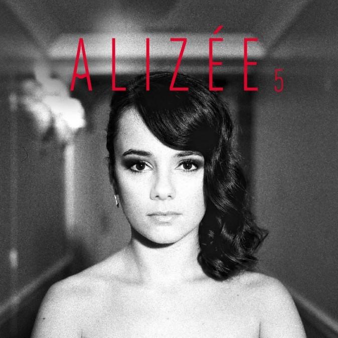 """La pochette du nouvel album d'Alizée, intitulé """"5""""."""