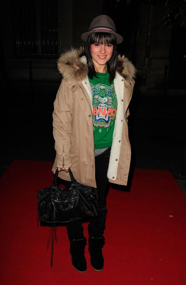 Alizée à l'inuaguration de la boutique éphémère Olympus à PAris le 6 décembre 2012
