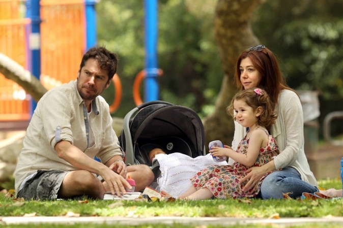 Alyson Hannigan dans un parc de Los Angeles le 11 juillet 2012
