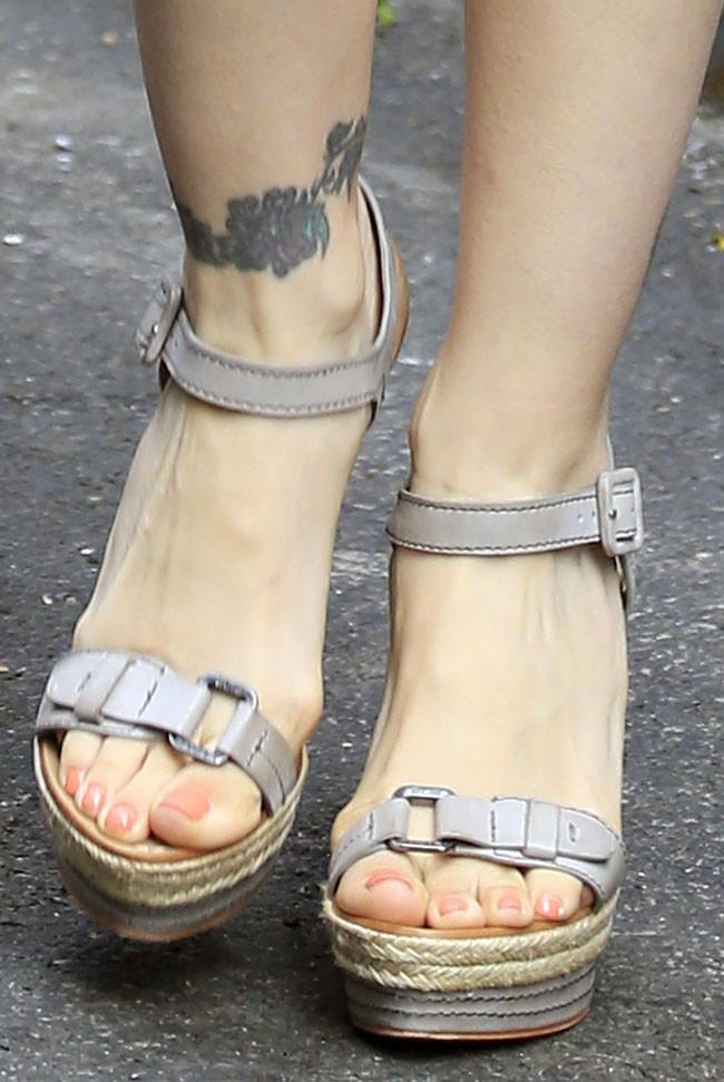 Alyssa Milano avant son passage dans Good Morning America à New-York le 8 juillet 2013