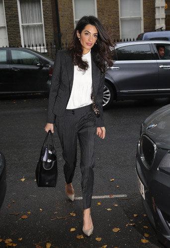 Photos : Amal Clooney maigrissime à Londres