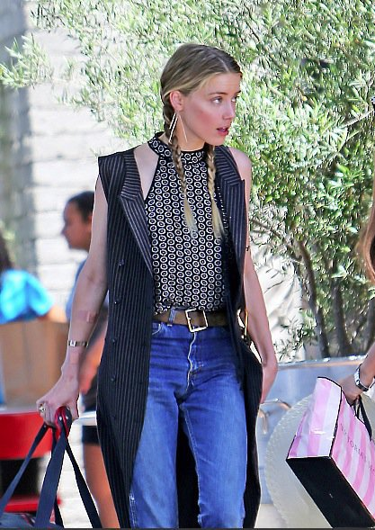 Photos : Amber Heard : elle fricote avec son ex !