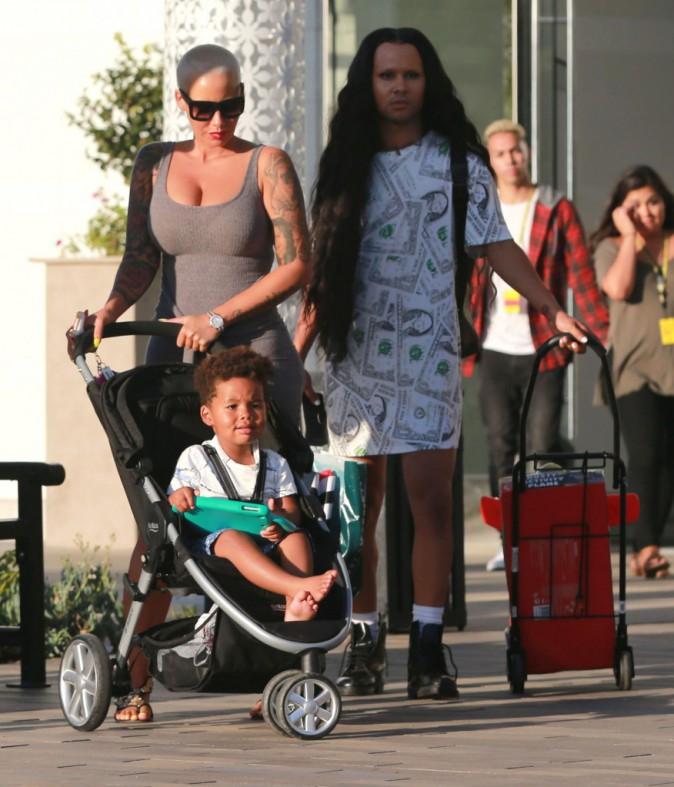 Amber Rose : Elle peut être une vraie maman poule quand elle le veut !