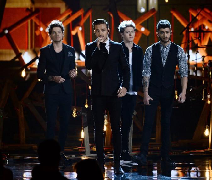 One Direction à la cérémonie des American Music Awards organisée à Los Angeles le 24 novembre 2013