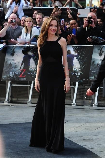 Angelina Jolie lors de la première de World War Z à Londres, le 2 juin 2013.