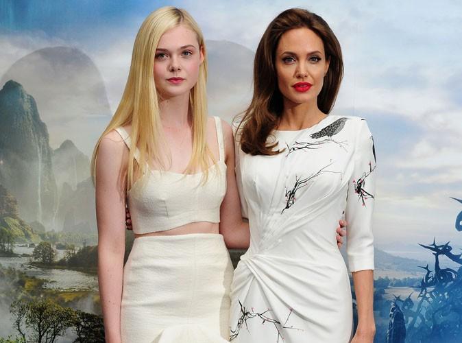 """Angelina Jolie et Elle Fanning : toujours aussi soudées pour le photocall de """"Maléfique"""" à Londres !"""