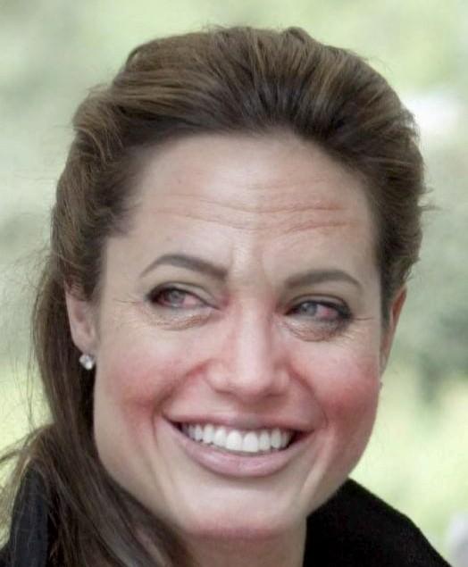 Angelina a les yeux injectés de sang !
