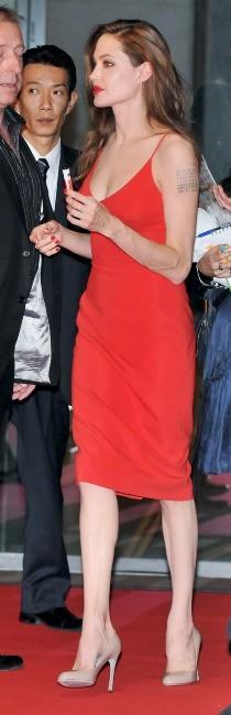 """Angelina Jolie lors de la première du film """"Moneyball"""" à Tokyo, le 9 novembre 2011."""