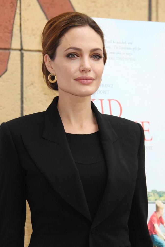 Dur de résister à Angelina !