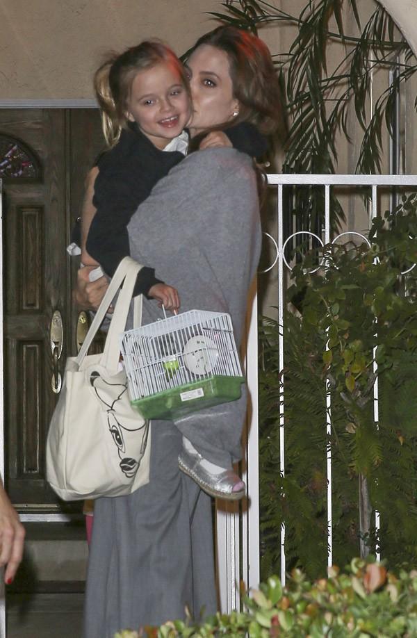 Le jour, Angelina Jolie est en mode maman (avec sa fille Vivienne)