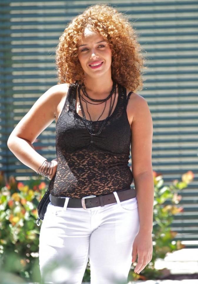 Mounia, ancienne What For, va devoir faire attention à sa ligne !