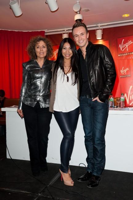 Mireille Dumas, Anggun et Cyril Ferraud lors de la conférence de presse de l'Eurovision 2012 à Paris, le 26 avril 2012.