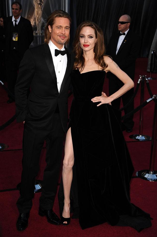 Elle a copié la fameuse robe d'Angelina Jolie !