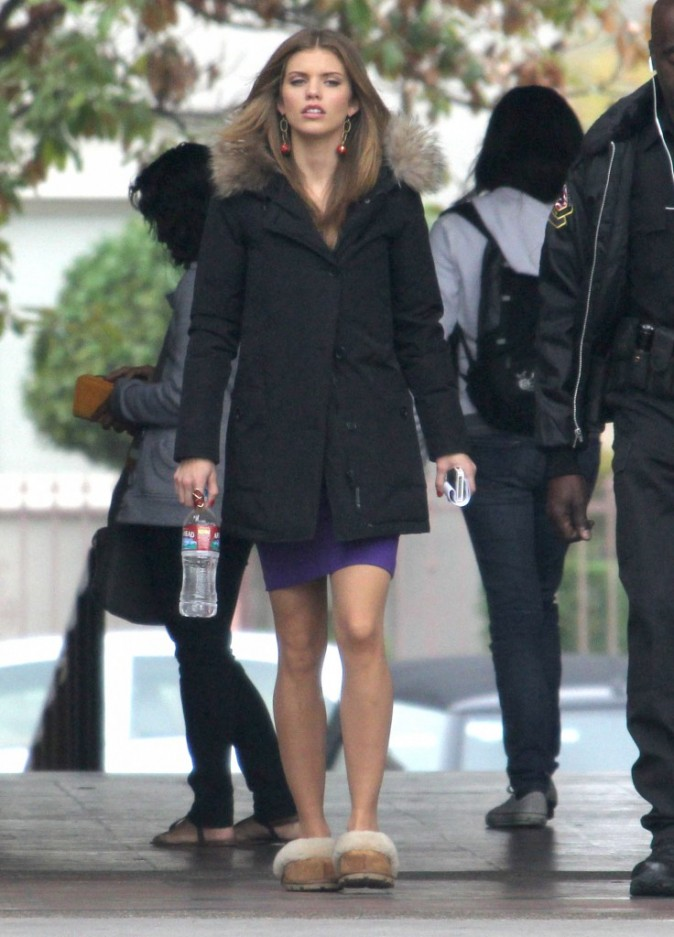 AnnaLynne McCord sur le tournage de 90210 à West Hollywood le 26 novembre 2012