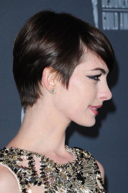 Anne Hathaway lors de la soirée Costume Designers Guild Awards à Beverly Hills, le 19 février 2013.