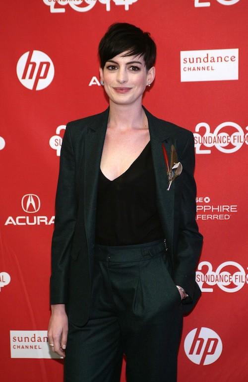 Photos : Anne Hathaway : punkette sexy sur tapis rouges, les vacances sont bien finies !