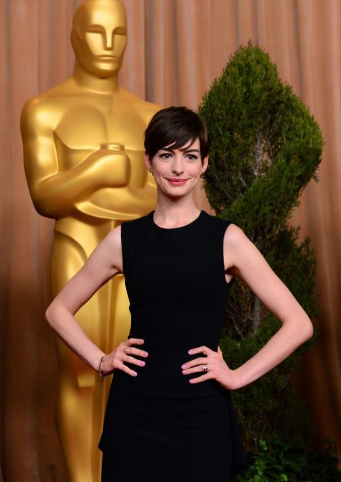 Anne Hathaway lors du déjeuner annuel des nommés à la prestigieuse cérémonie des Oscars, le 4 février 2013 à Los Angeles.