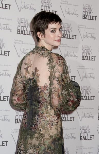 Anne Hathaway lors de la soirée NYC Ballet Fall Gala à New York, le 20 septembre 2012.