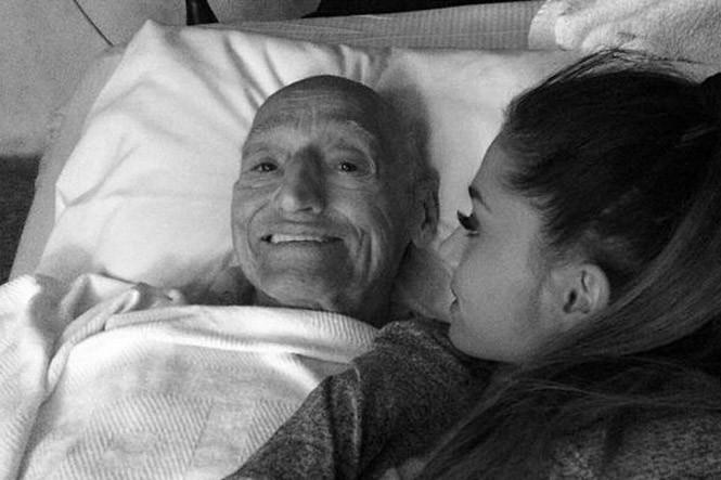 Ariana Grande en deuil, elle vient de perdre son grand-père...