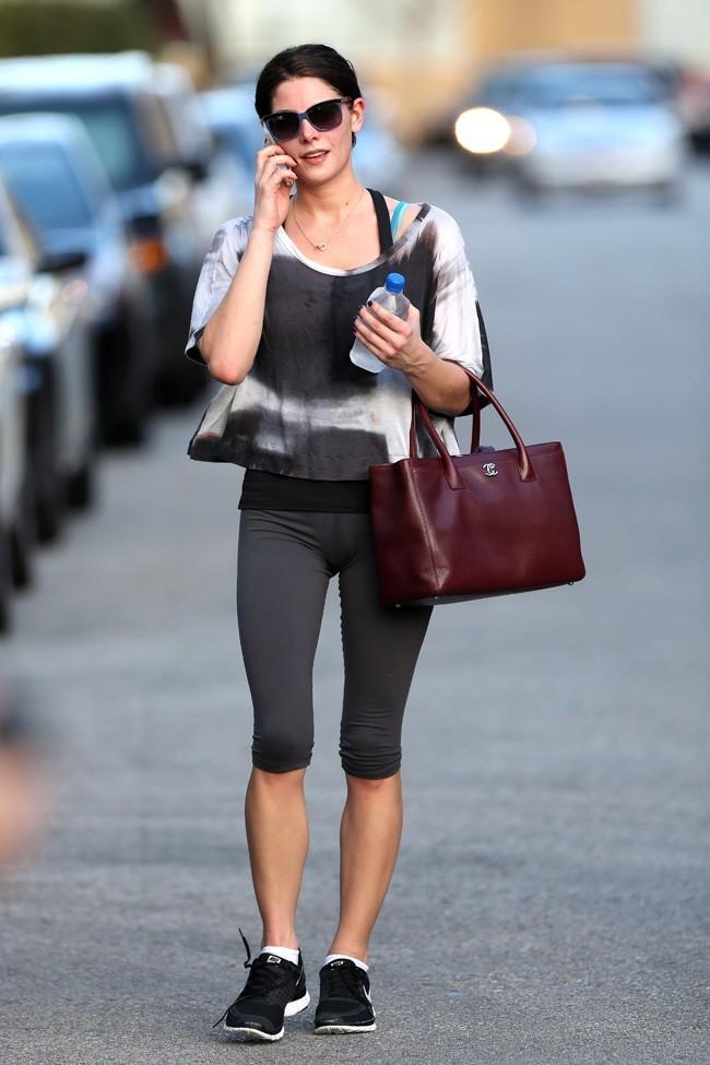 Ashley Greene à la sortie de sa salle de sport de Los Angeles le 24 janvier 2013