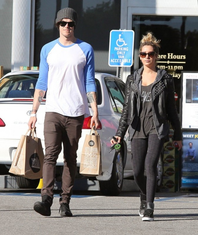 Ashley Tisdale et Christopher French à Los Angeles, le 3 janvier 2013.