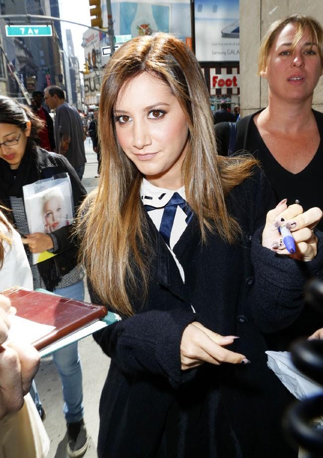 Ashley Tisdale à New-York pour la promotion de Scary Movie 5 le 8 avril 2013
