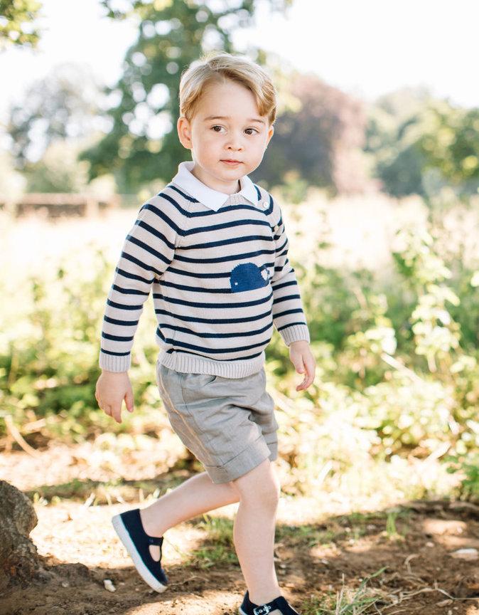 Photos : Baby George a 3 ans, Kate coupe le cordon !