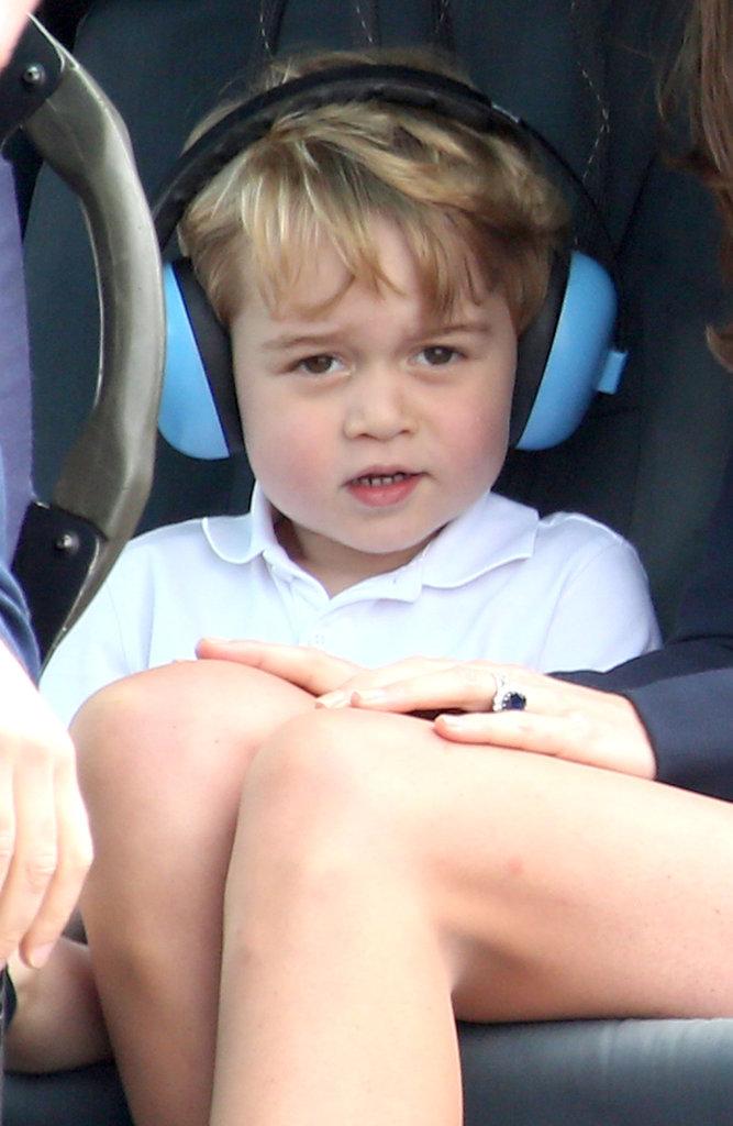Baby George et ses parents le 8 juillet à Fairford, dans le Gloucestershire
